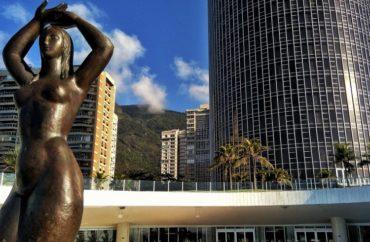 Hotel Nacional Rio terá tradicional cascata e queima de fogos 'silenciosa' 6