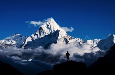 Monte Everest só poderá ser escalado por alpinistas experientes 10