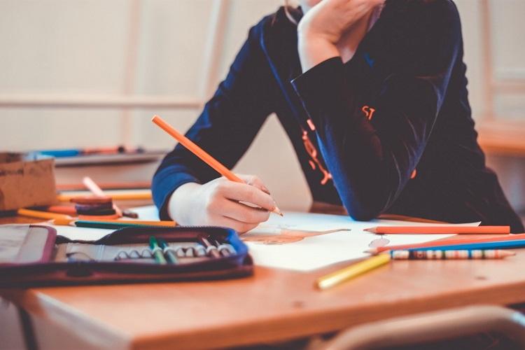 bolsas de estudos e imersão