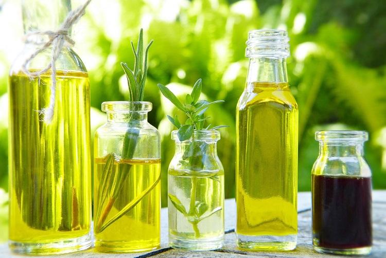 diferentes óleos para cozinhar