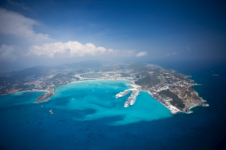 St. Maarten suspende a entrada de turistas