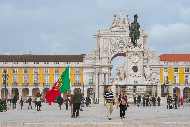 turistas brasileiros para Portugal