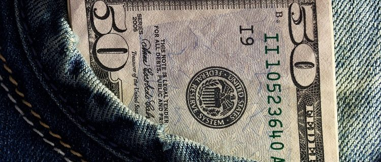 É hora de comprar dólar! 5