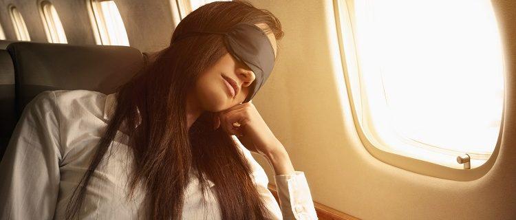 5 dicas para dormir bem no avião 3